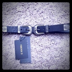 NWT double buckle belt